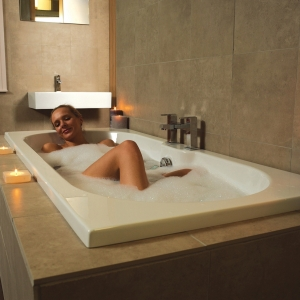 """Luna"" Double Ended Luxury Rectangular Bath - 1700mm (L) x 750mm(W)"