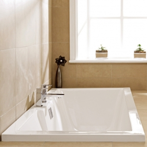 """""""Legend"""" Single Ended Luxury Rectangular Baths - 1500mm to 1800mm(L) x 700mm to 800mm(W)"""