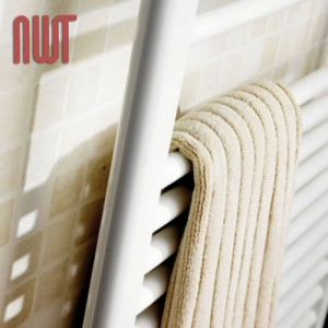 600mm (w) x 1800mm (h) Straight White Towel Rail