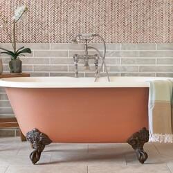 Vintage designed freestanding tub with traditional mixer tap and feet💧  #bathrooms #bathroominspo #houserenevation #renevation #traditional #interiordesign #interiorstyling #interiordecor #bathroomsofinsta #instabathroom #luxurybathroom #luxurysuite #bathtub #amazinghome #newbathroom #interior #decor #homeinspo #decorinspo