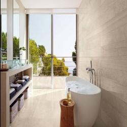 This weather would be ideal right now 😍☀️#bathroom #bathroomrenovation #copper #bath #bathtime #hotel #spa #winter #snow #christmas #bathroom ##interiör #decor #designer #interiorhome #newhome #decorinspo #superhomes #interiorhomes #homesofinsta #bathroomsofinsta #instabathroom